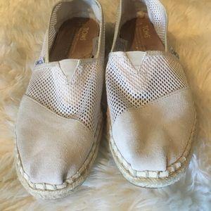 TOMS women's size 7 Cream Mesh Shoes